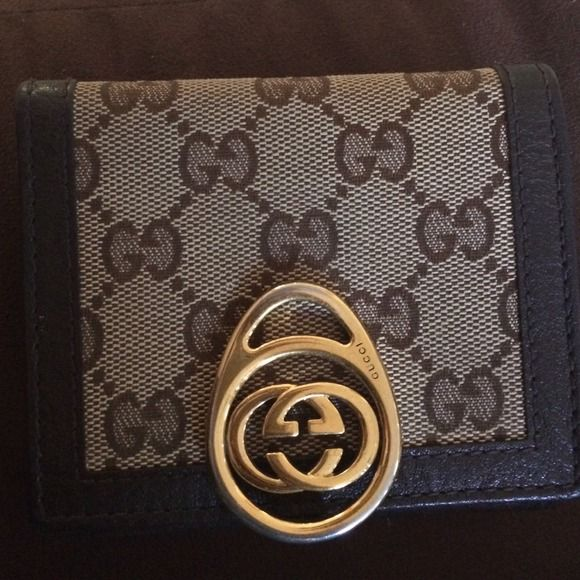 """Selling this """"Gucci wallet"""" in my Poshmark closet! My username is: ckitig. #shopmycloset #poshmark #fashion #shopping #style #forsale #Gucci #Clutches & Wallets"""