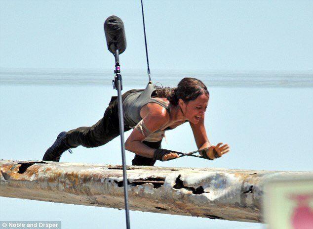 Set Photos of Alicia Vikander as Lara Croft From the Upcoming Tomb Raider Movie http://ift.tt/2kKImSO #timBeta