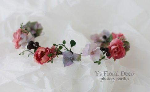 9月の連休に逗子でご披露宴の新婦さんのためにお作りしましたお花です。これはカチューシャです。ガーリーな要素のあるかわいいドレスに合わせていただきました。ブ...