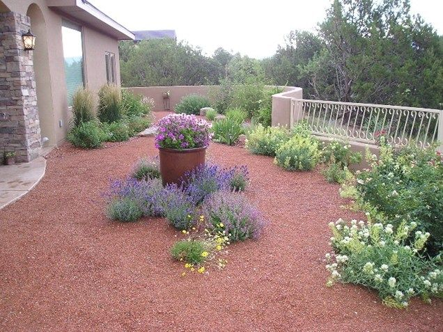 Gravel mulch xeriscape southwestern landscaping red twig for Garden design xeriscape