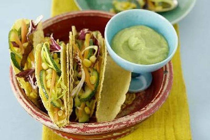 Das Rezept für Gemüse-Tacos mit Guacamole mit allen nötigen Zutaten und der einfachsten Zubereitung - gesund kochen mit FIT FOR FUN