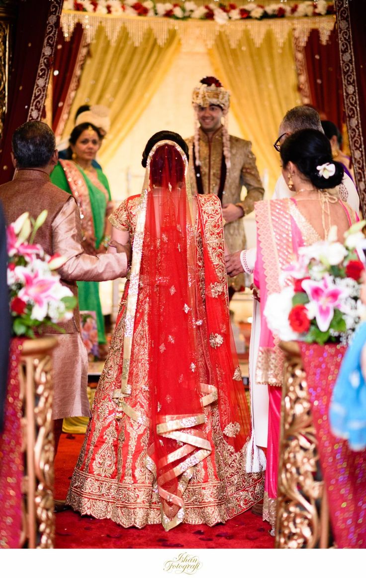 Indian Bride Arriving At Wedding Ceremony In Piscataway NJ By Ishan Fotografi