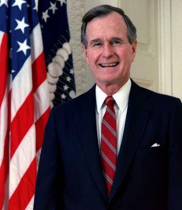 famous left handers - George Bush