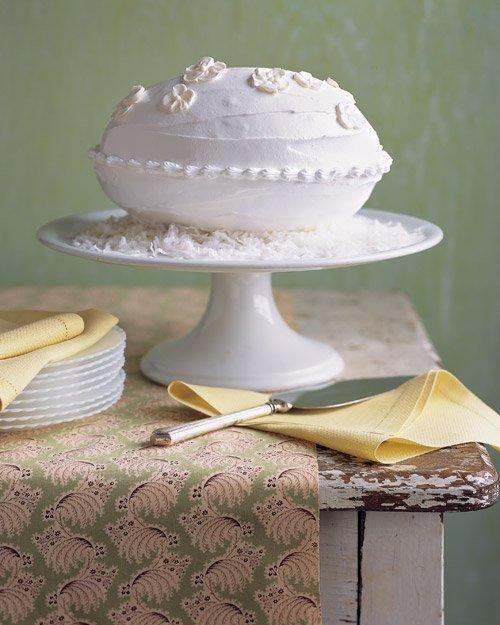 Easter Desserts // Coconut-Almond Egg-Shaped Cake Recipe