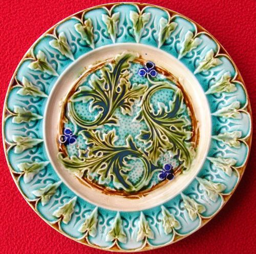 ANTIQUE FRENCH ACANTHUS LEAVES RENAISSANCE PLATE c1880  sc 1 st  Pinterest & 363 best Old Majolica images on Pinterest | Porcelain Wedgwood and ...