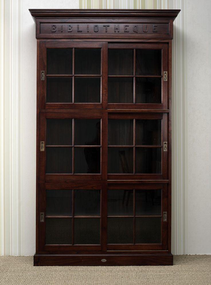 www.livinghome.nl info@livinghome.nl €550,- #kast #boekenkast #vitrinekast #bruin #klassiek #interieur