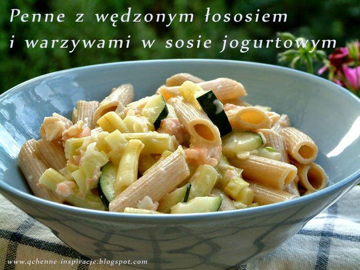 Penne z łososiem i warzywami w sosie jogurtowym