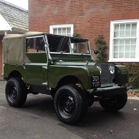 1000 images about land rover on pinterest station wagon. Black Bedroom Furniture Sets. Home Design Ideas