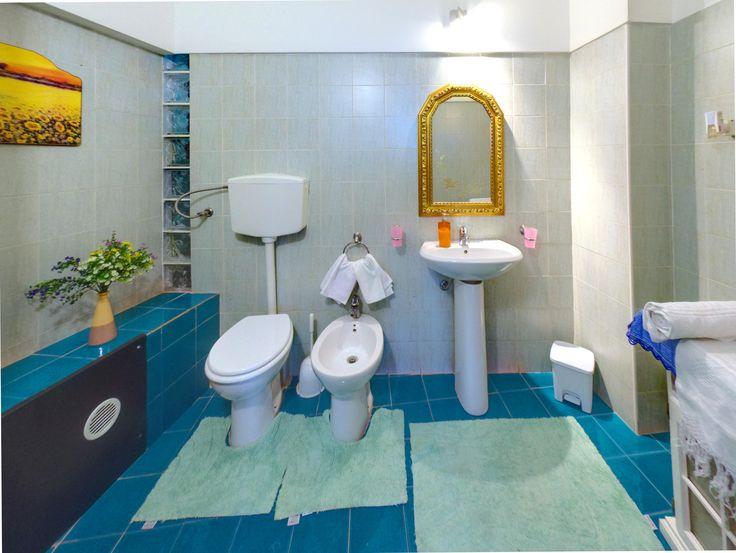 17 migliori idee su bagno interno su pinterest bagni scuri design di interni moderno e - Ostelli londra con bagno privato ...