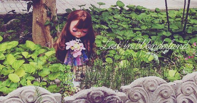 Come Promesso, oggi ho portato la mia bimba preferita nel giardino della mia cara nonnina.   Tra i fiori e i trifogli mi sono divertito...
