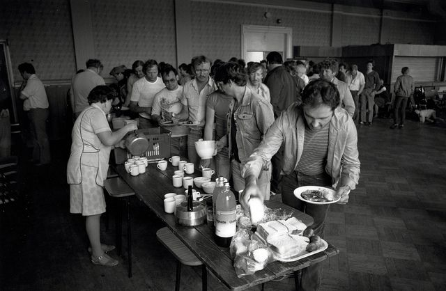 Hardship kitchen. Bates Colliery miners during strike. 1984. | Flickr