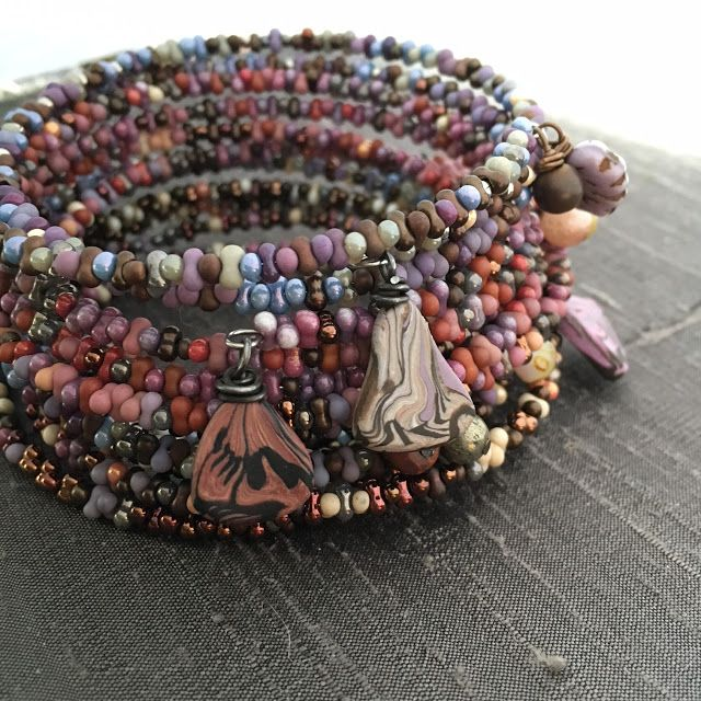 Humblebeads Blog: Bead Table Wednesday - Memory Wire and Bead Spinner Bracelets