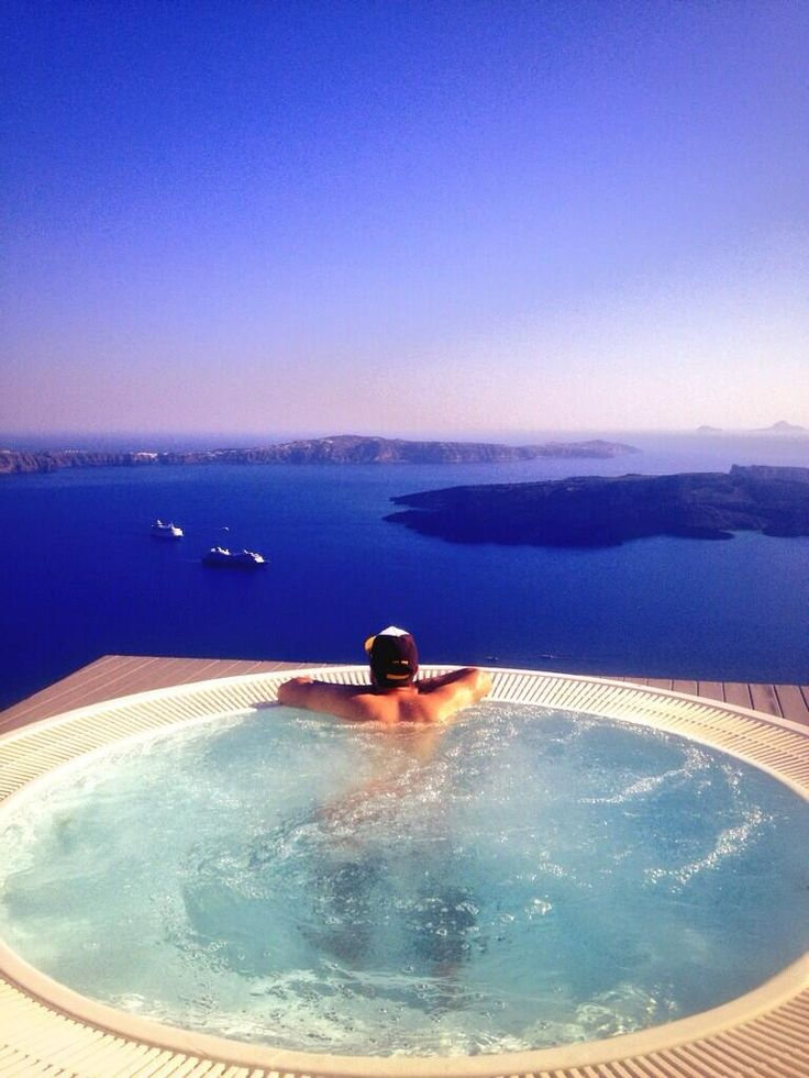 CHROMATA Hotel Santorini | Last one about my time away. How good is this?