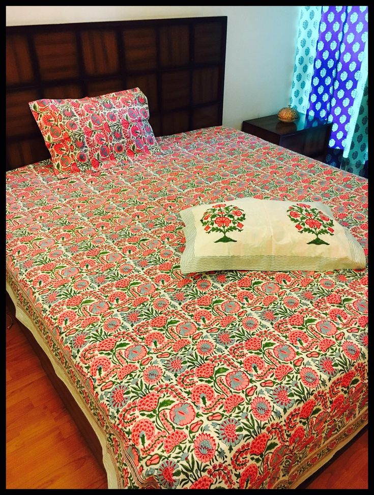 King size bedsheets with reversible pillow covers