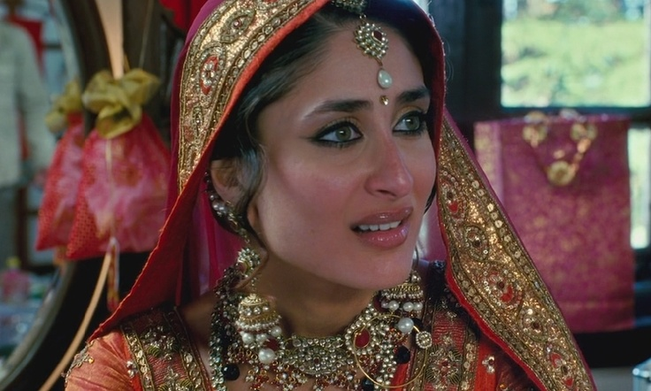 "Loved kareena kapoors wedding look from the movie ""3 idiots"""