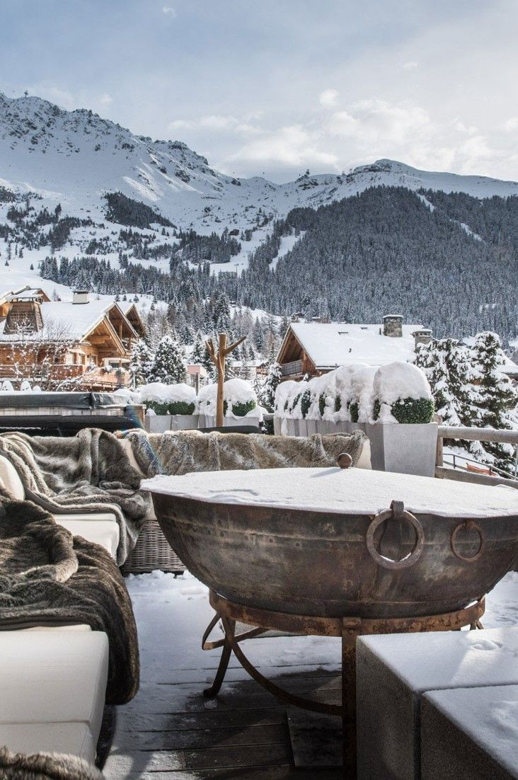This winter, we're dreaming about high-altitude decadence courtesy of some of the world's most outrageously luxurious ski resorts. Emma Sloley rounds up 12 OTT spots custom-designed for après-ski bliss.#Jetsetter