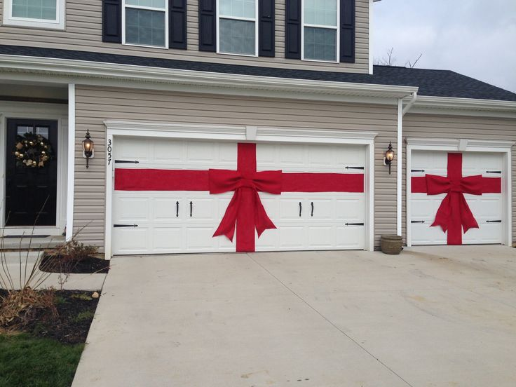 1000 ideas about outdoor christmas decorations on for Christmas garage door mural