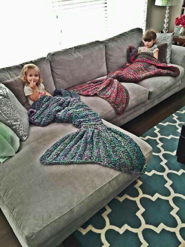 Mermaid tail blanket.... I NEED this in my life!!!!! ♡
