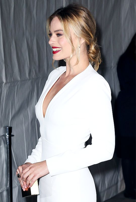 Margot in white