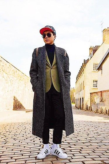Get this look: http://lb.nu/look/8621599  More looks by Linus Hung: http://lb.nu/preppylinus0726  Items in this look:  Adidas Sneakers, H&M Blazer, Kenzo Cap