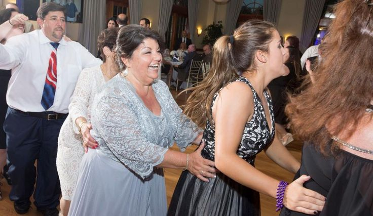 Group dances are a great way to get your wedding guests on the dance floor! Here are some great ones: - YMCA - Macarena - Cupid Shuffle  #groupdance #wedding #weddingdance #dance #fun #weddingreception #reception #weddingphotographer #onefinedayphotographers