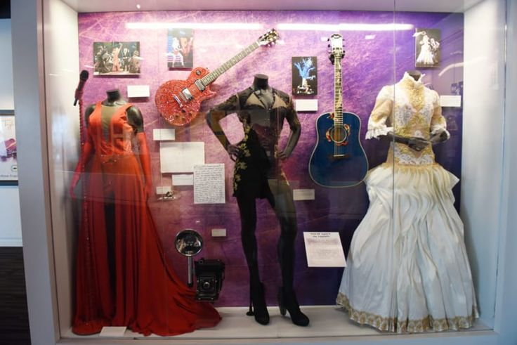 As if the super-cool piano at the beginning wasn't enough, you can check out three of Taylor's costumes from The Red Tour. Unfortunately, we weren't able to sniff them and check out what Taylor's sweat smells like. Probably French vanilla and fresh-cut roses, if I had to guess.