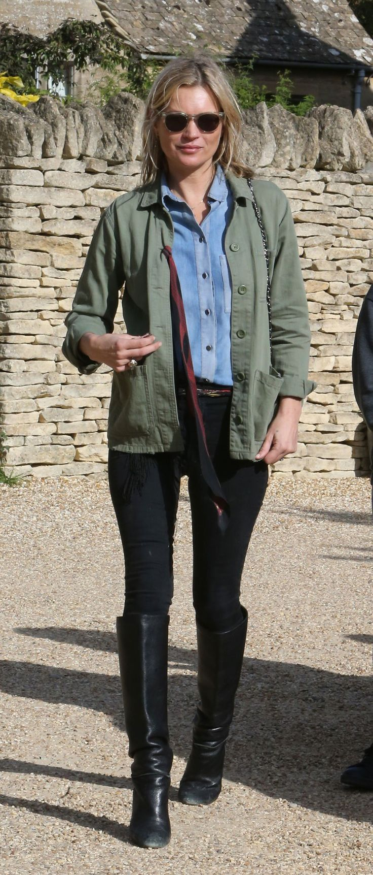 This Is How Kate Moss Does English Country Style