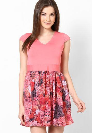 Pink Floral Print Skirted Dress-Made of premium quality polyester, this dress is high on comfort. This sexy dress can be best teamed with matching sandals and a clutch.