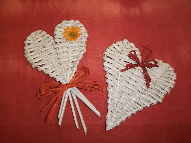 pletení z papíru bílá srdíčka