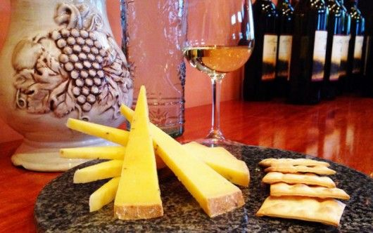 7 Tips on How to Pair Wine with Cheese