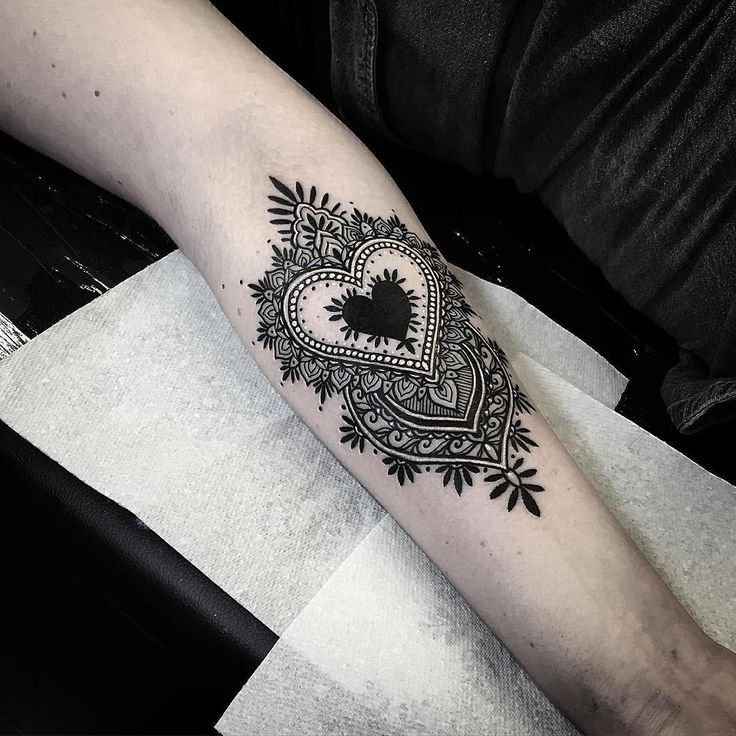 Black Heart Tattoo By Alex Bawn - http://tattooideas22.com/black-heart-tattoo-alex-bawn/