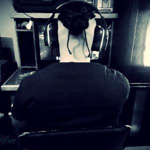 https://www.twitch.tv/cryblue Ya empezó el stream hasta las 2:30 am, entra ahora mismo al canal #leagueoflegends