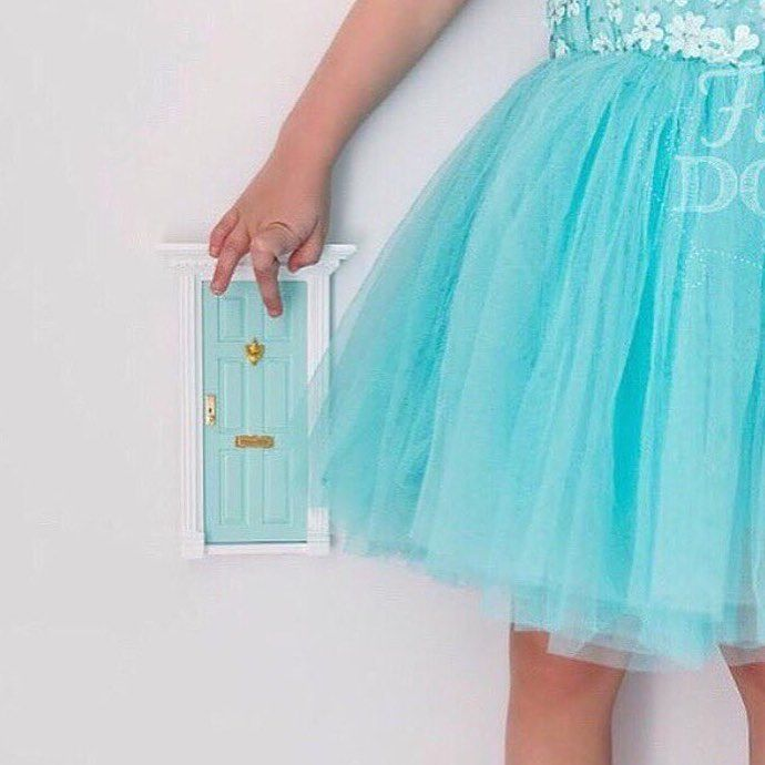 Our aqua door goes with so many other colours.  You can team it with fairy floss, pale pink, white, purple, and it will always look beautiful.