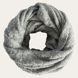 This soft, lightweight snood is the perfect transitional accessory. Featuring a lovely loose knit, it can be worn long around your neck or doubled over to add a cosy finish to any outfit, perfect for enveloping yourself in warmth as the days cool. Available in four versatile colours- grey, black, pale pink and cream.