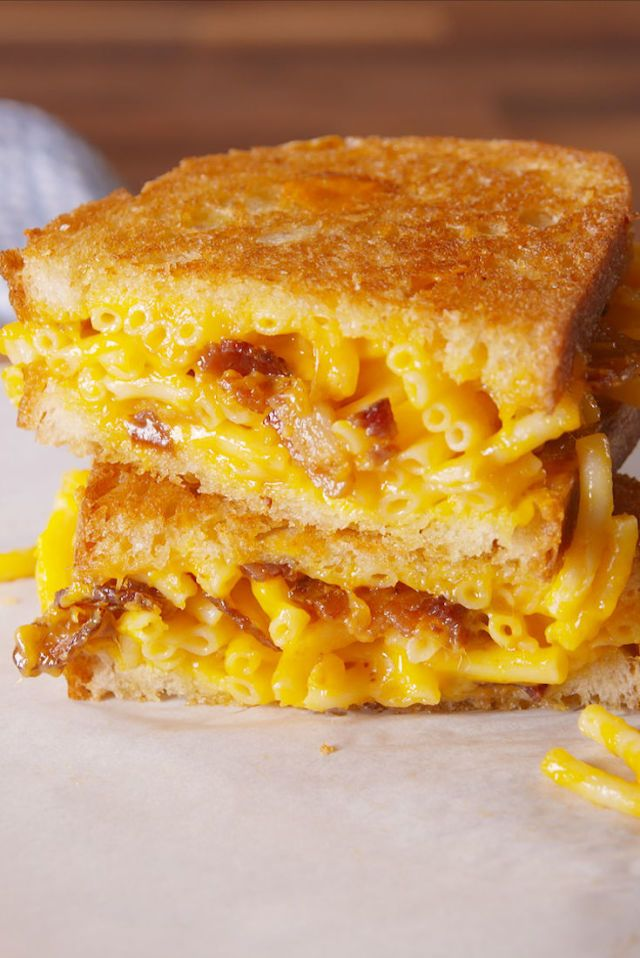 Mac & Cheese Grilled Cheese Is The Decadent Trend You Need To Try  - Delish.com