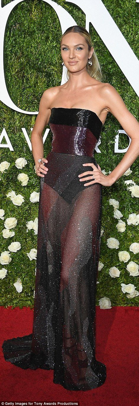 Scarlett Johansson flashes legs in patterned set for the Tony Awards #dailymail
