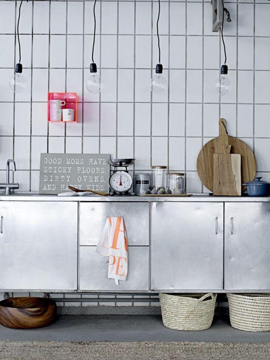 Slagterfliser over køkkenet