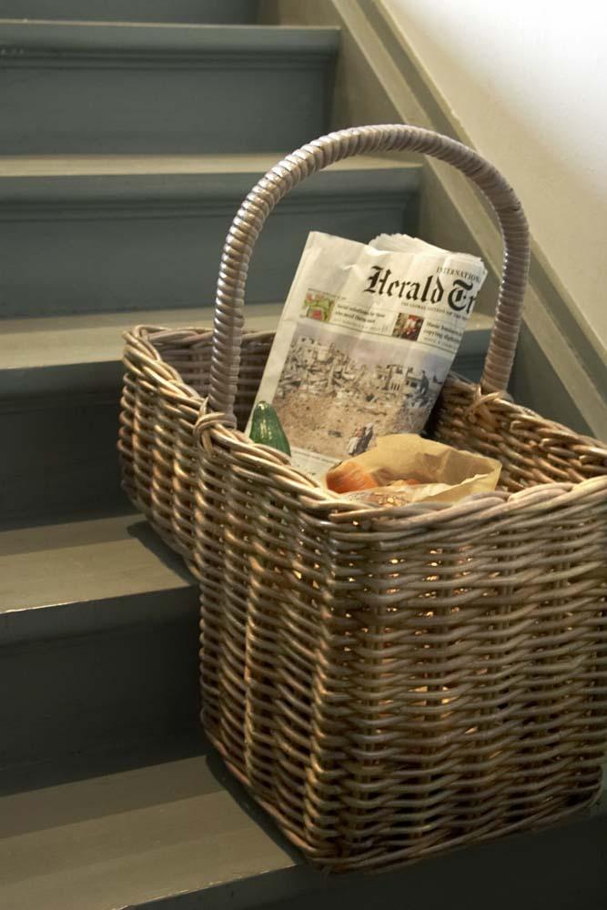 Una canasta para pelda o de escalera cesta de mimbre - Como forrar una cesta de mimbre ...