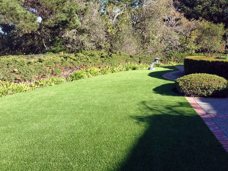 GST, Inc reports an artificial grass installation in Half Moon Bay, California  Visit us on the web at http://www.globalsynturf.com. Like us on Facebook: https://www.facebook.com/globalsynturf  Follow us on Twitter: https://twitter.com/globalsynturf  Follow us on HomeTalk: http://www.hometalk.com/globalsynturf Follow us on Houzz: www.houzz.com/pro/globalsynturf/