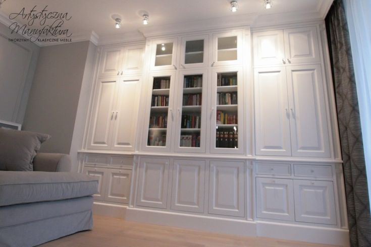 olchowa biała biblioteka, wooden white home library, built in cabinets in living room