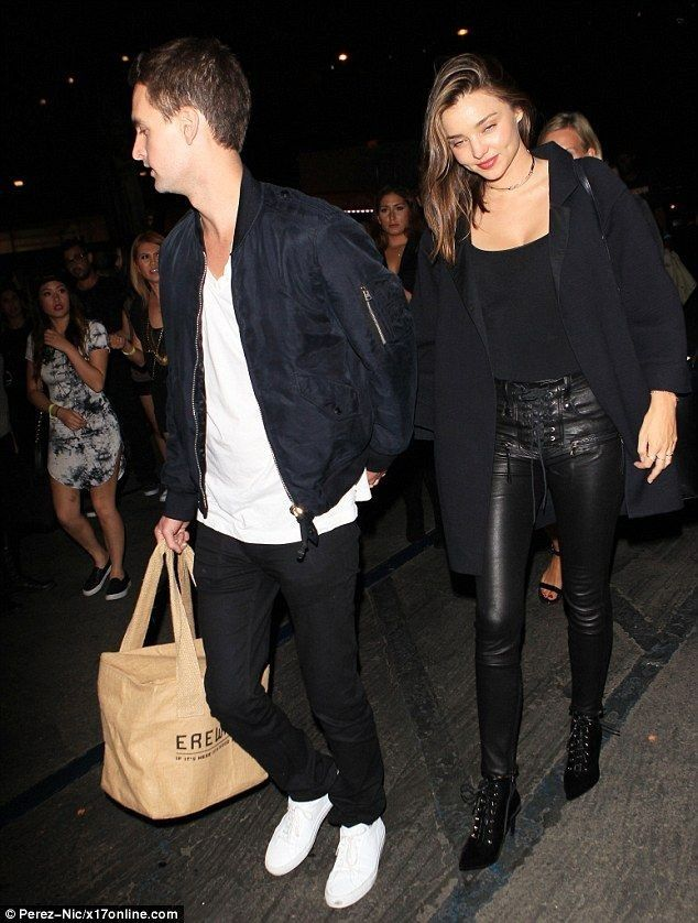 Miranda Kerr looks smitten with Snapchat founder beau Evan Spiegel - Celebrity Fashion Trends
