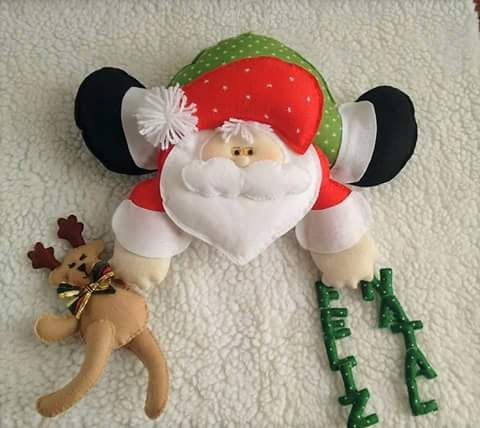 "Mais encantos saindo na magia do natal!   Agora é a vez do papai noel ""pendurado""!   Gentileza de ""Artes da Graci"""
