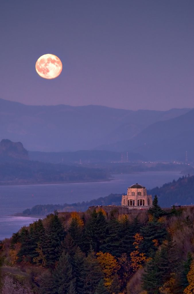 Harvest moonrise over Crown Point, Columbia River Gorge, Oregon by GeorgeOfTheGorge