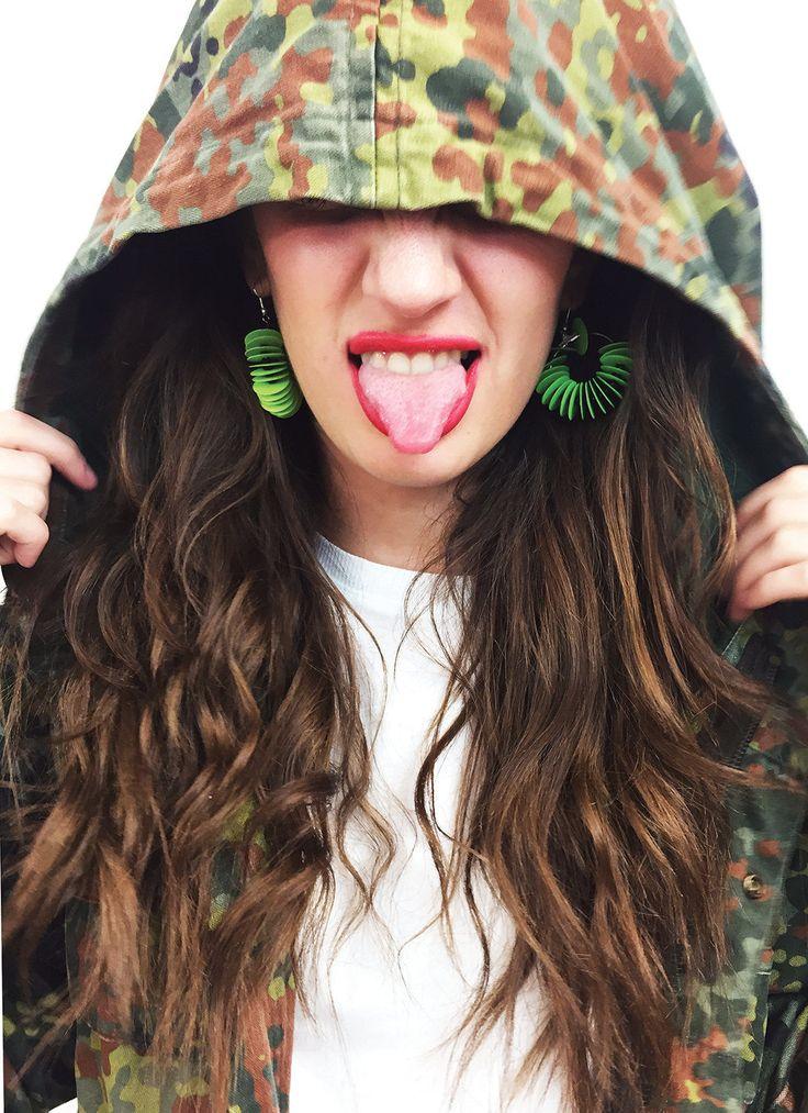 Gioielli di carta, orecchini color verde acido, orecchini a cerchio pendenti verdi, orecchini di carta, orecchini colorati, gioielli estivi by AlfieriJewelDesign on Etsy
