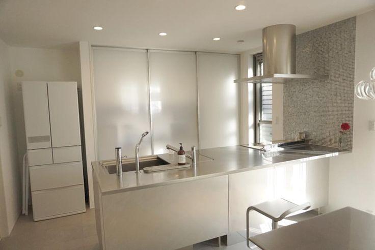 一番お世話になったキッチン♡ やっと物がなくなった〜꒰˘̩̩̩⌣˘̩̩̩๑꒱ 次は玄関。 #年末大掃除 #ヘーベル ...