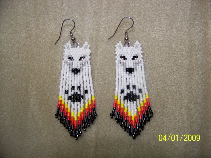 free Seed Bead Earring Patterns   ... Free Patterns   Hand Seed Bead White Wolf Native style beaded earrings