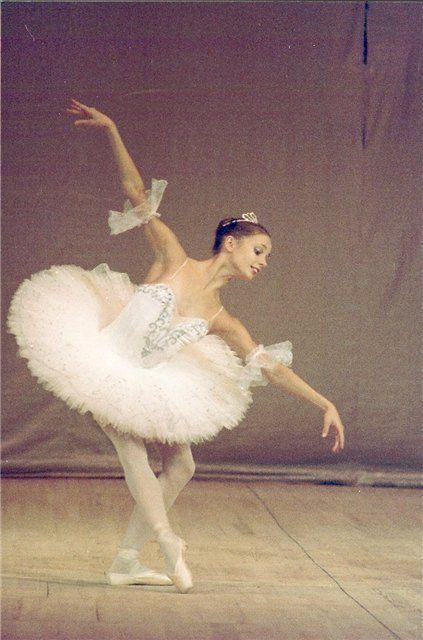 "Maria Kochetkova (Princess Aurora) with San Francisco Ballet in ""The Sleeping Beauty"""