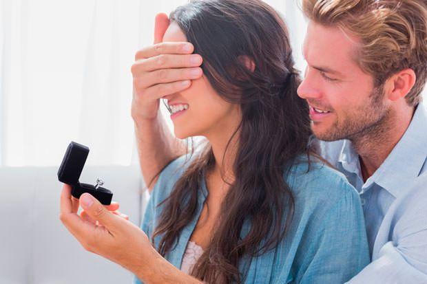 ¿Quieres casarte conmigo? La pregunta esperada se hace realidad. Que la pedida de mano sea algo mágico.