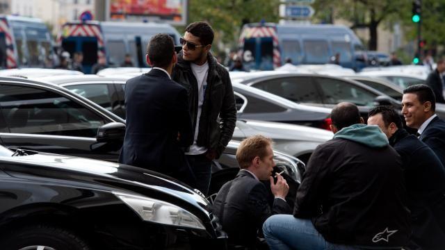 Franse Uber-chauffeurs protesteren tegen Uber | NU - Het laatste nieuws het eerst op NU.nl