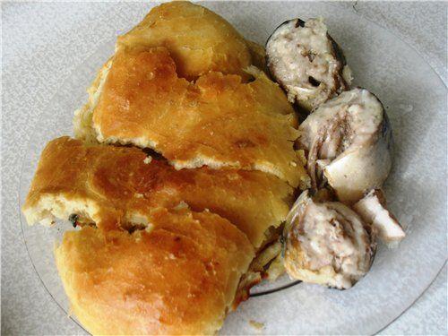 Решила поделиться с вами нашим семейным рецептом. Правда, мама называла его пирогом с рыбой. Но по сути это, все таки рыба в тесте.Моя мама родом из Вологодской области. Именно там, на Севере России…